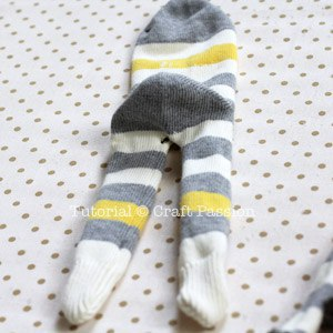 Обезьянка из носков своими руками 4