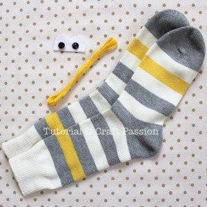 Обезьянка из носков своими руками 1