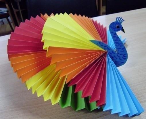 Поделки с детьми из бумаги сложенной гармошкой