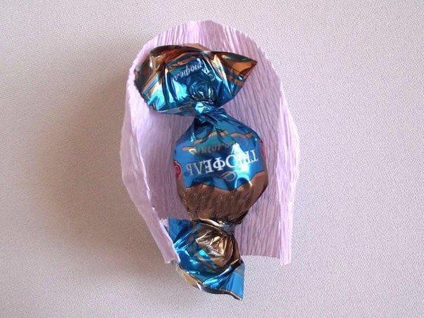 Бутоны роз из конфет
