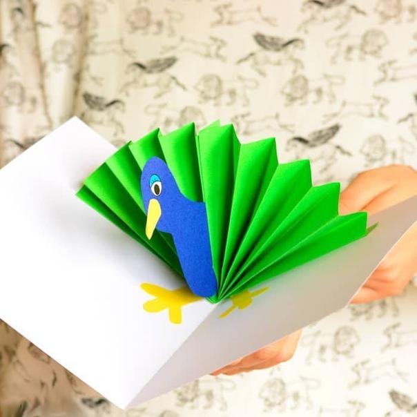 Объемная открытка «павлин»