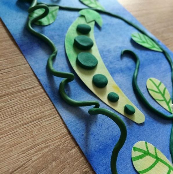 """Лепим из пластилина. аппликация """"зелёный горошек"""", выполненная из пластилина и цветной бумаги."""
