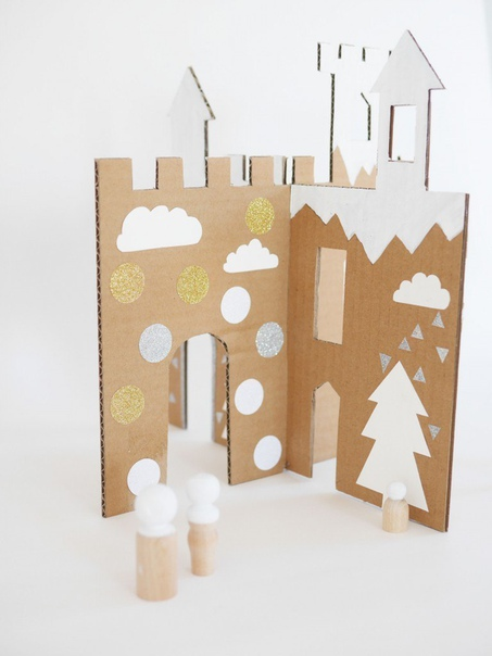 Зимний замок из картона