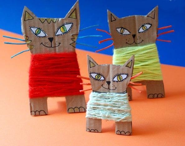 Котята из картона и пряжи