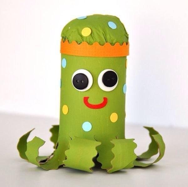 Идеи для творчества с детьми. поделки из рулончиков.