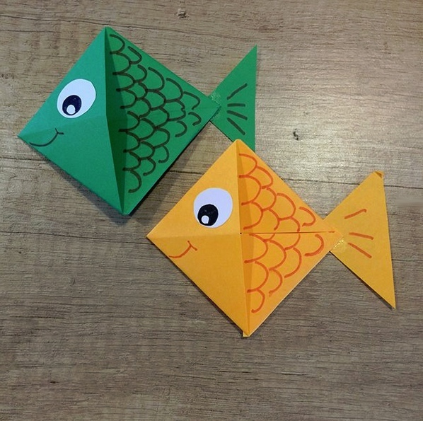 Поделки из бумаги. Рыбка-закладка