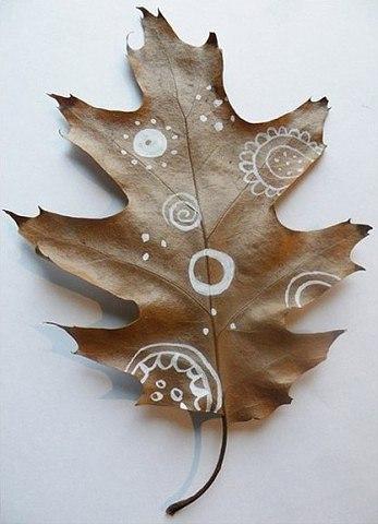 Рисуем на листьях