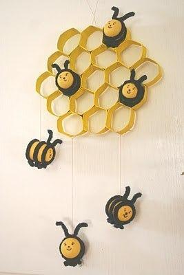 "Поделка ""пчелки в сотах"""