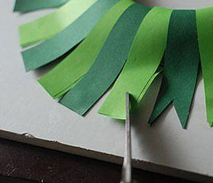Новогодний венок из бумаги