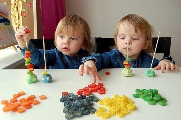 Игры с цветными макаронами
