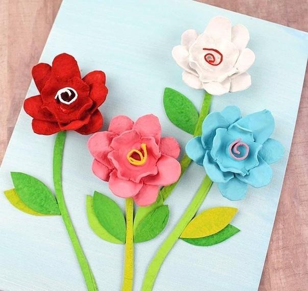 Цветочки из яичных лотков