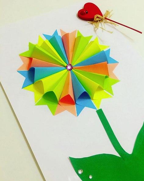 Поделки из бумаги для детей. объемная аппликация из цветной бумаги. подробный мастер класс см. на фо