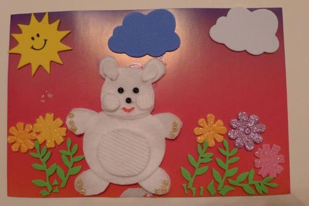 Творчество с детьми. аппликация с использованием цветной бумаги и ватных дисков.
