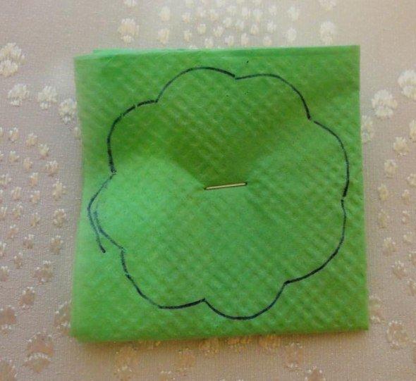 Новогодняя ёлочка из бумажных салфеток
