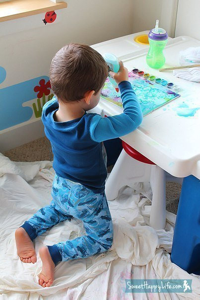 Картины акварелью с добавлением соли и клея.
