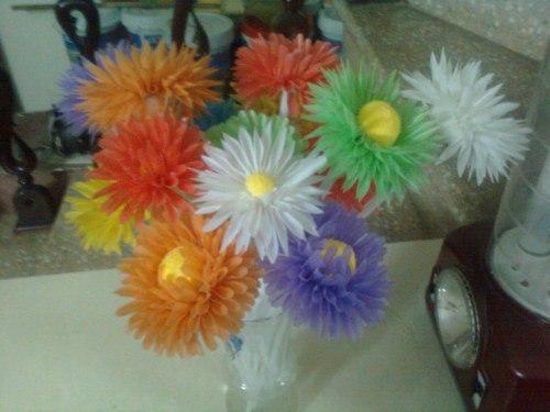"""Творческое занятие """"цветы из коктейльных трубочек"""""""