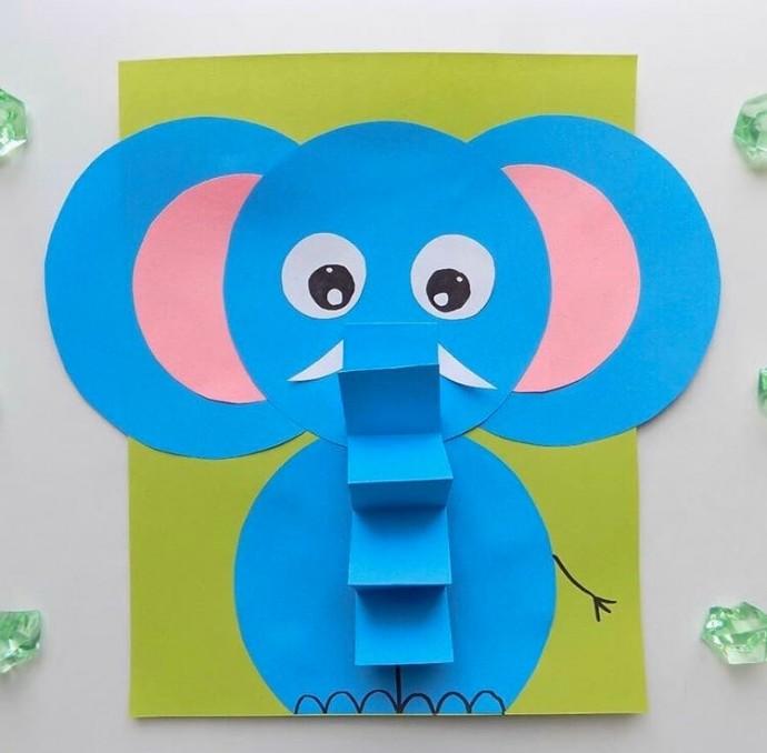 Слонёнок с объемным гофрированным хоботом