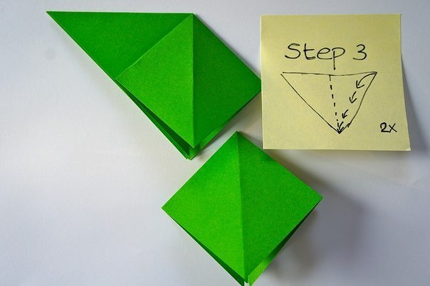 Бумажная елочка-оригами 2