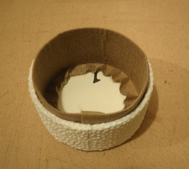 Круглая шкатулка из бобинок от скотча 7