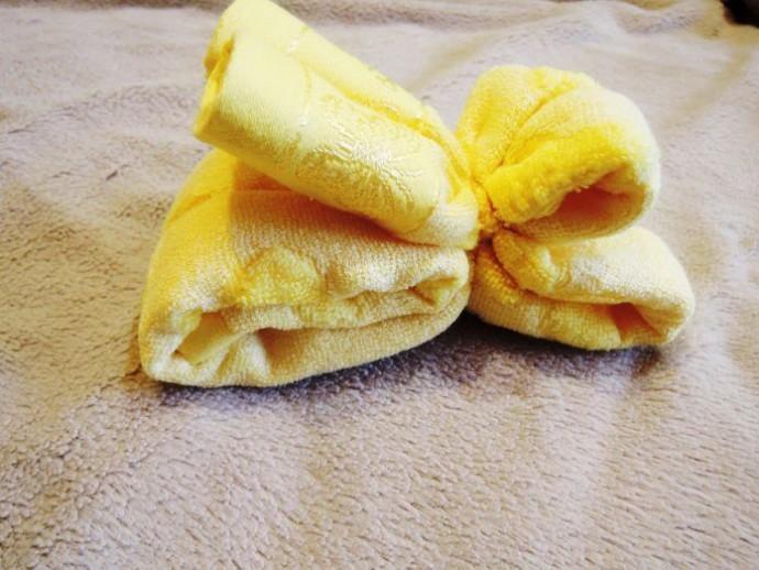 Маленькая собачка из полотенца