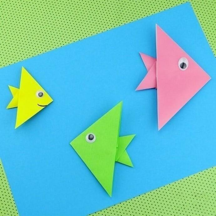 Рыбки в технике оригами для самых маленьких