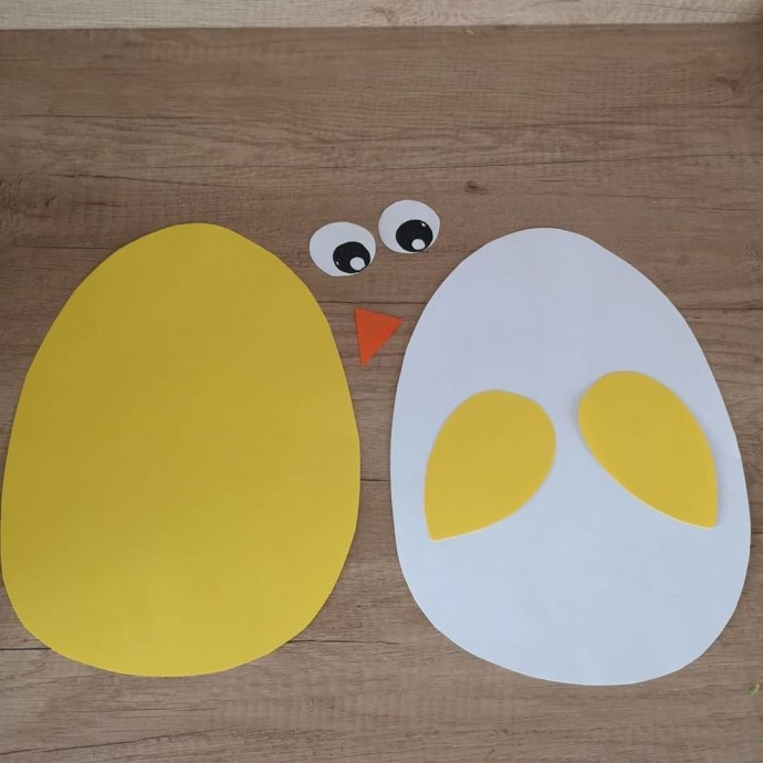 Цыплята вылупляются из яиц