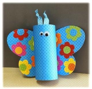 Бабочка из картонных втулок