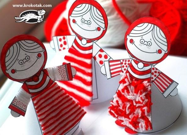 Кукла из бумаги, которая украшена пряжей