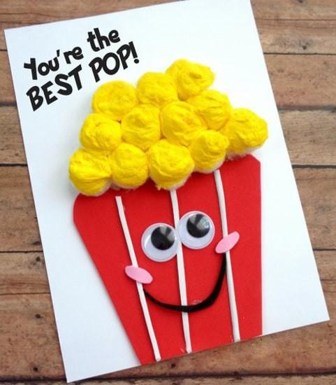 Забавная открытка с попкорном