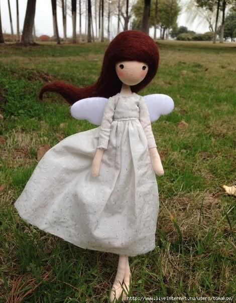 Гибкая кукла из проволоки и ниток