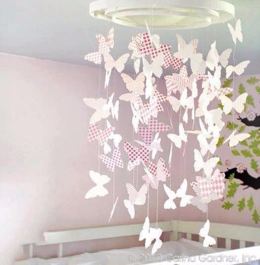 Мобиль в детскую в виде бабочек
