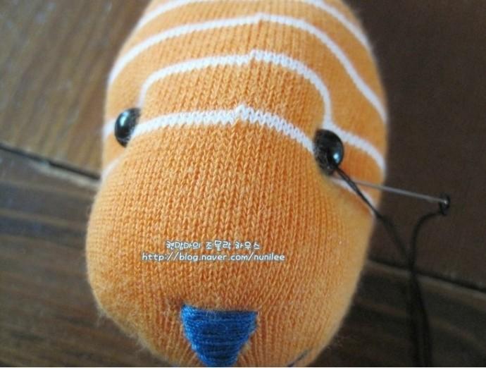 Зайка с длинными ушками из носочка