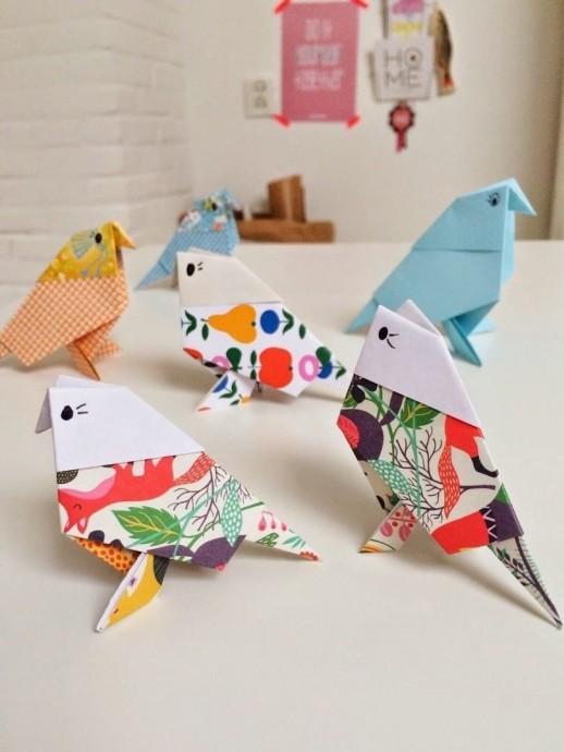 Яркие птички в технике оригами