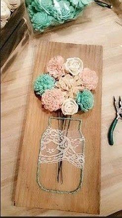 Вазы с цветами: работы с нитками, гвоздями и искусственными цветами