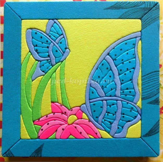 Кинусайга: бабочки и цветы
