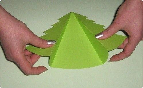 Открытки-ёлочки детскими руками 5