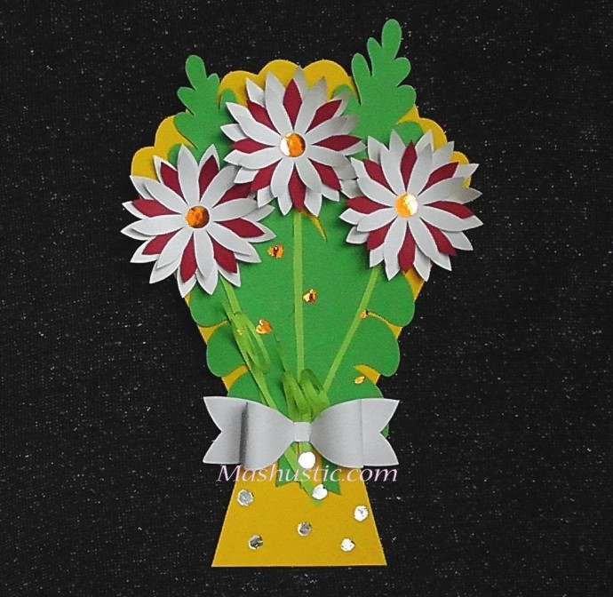 Цветочные корзинка и букетик