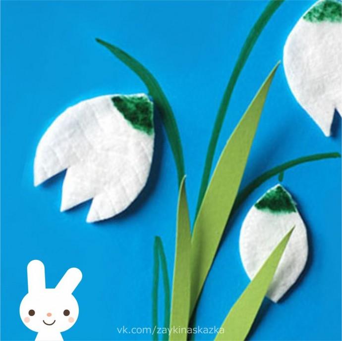 Аппликация из ватных кружочков и цветной бумаги: подснежники