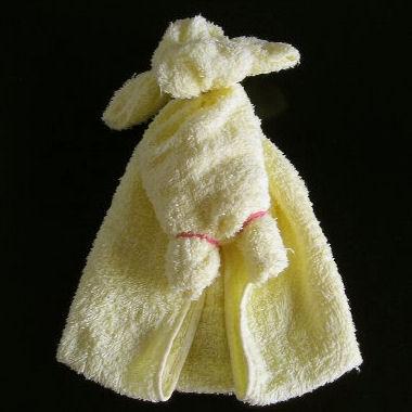 Делаем с детьми собачку из полотенца 5