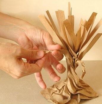 Объемное дерево из упаковочной бумаги