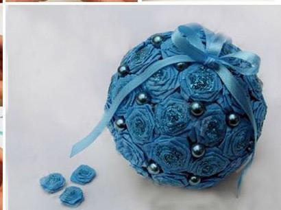 Декорирование шаров цветами