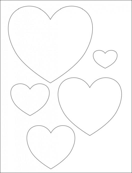 Сердечки, которые оформлены с помощью ниток
