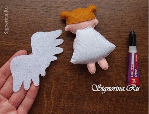 Ангелочек из фетра
