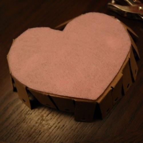 Корзинка в форме сердца