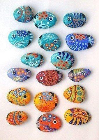 Разрисовываем камушки с детьми