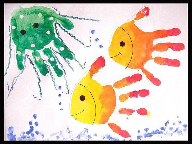 Рисуем ладошками с малышами