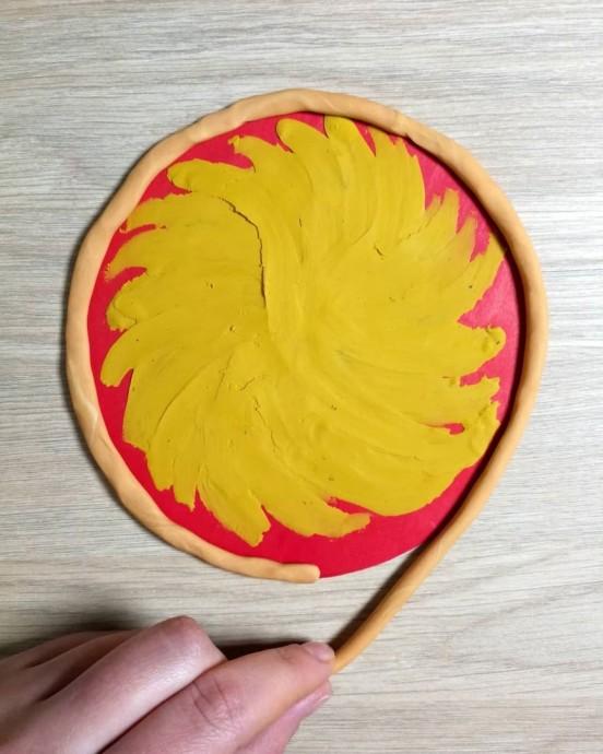 Пицца в технике пластилинографии