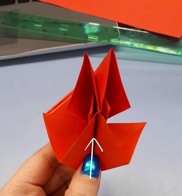 Чудесный цветок оригами 11