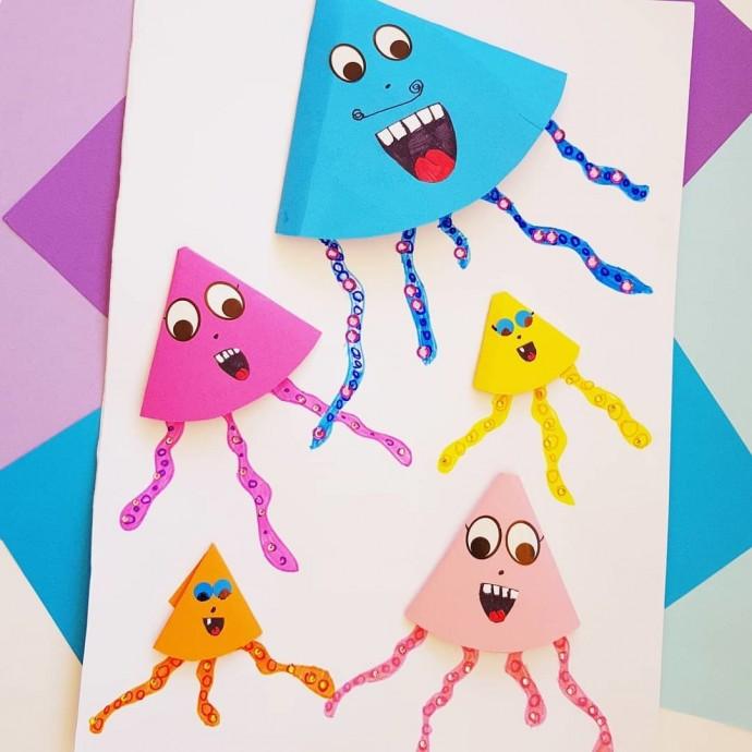 Компания веселых медуз
