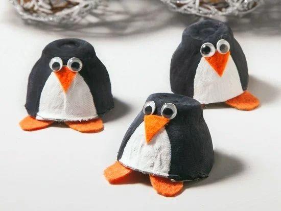Пингвины из картонной упаковки от яиц